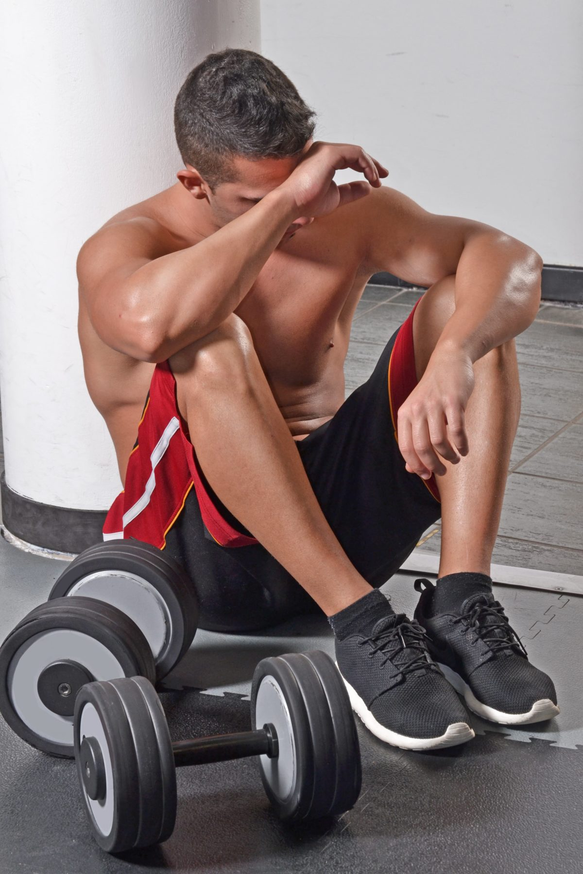 Dor-muscular-após-atividade-físicashutterstock_263406701-min-1-1200x1800.jpg